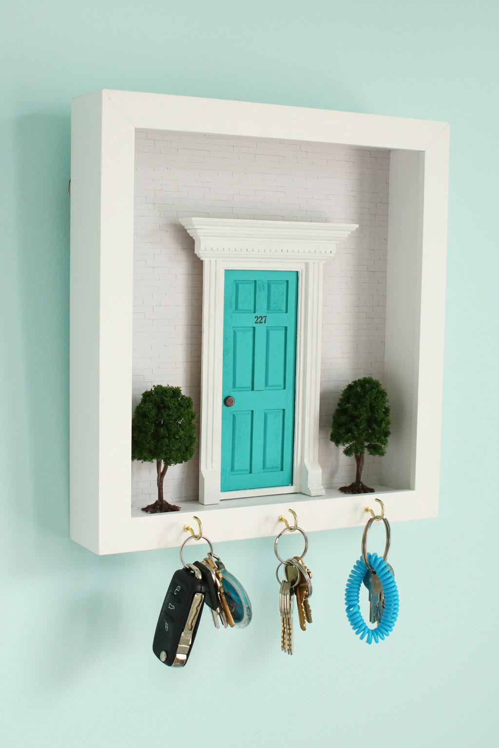 Diorama Key Hook